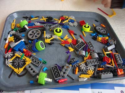 picture of Knex 350 Pc Tub Contents