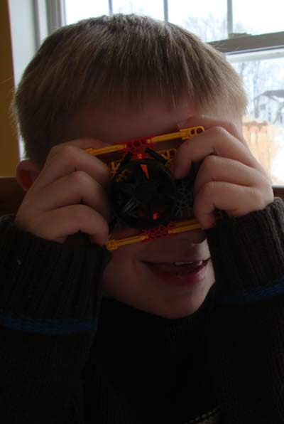 picture of Knex Camera with Kid 350 pc Tub