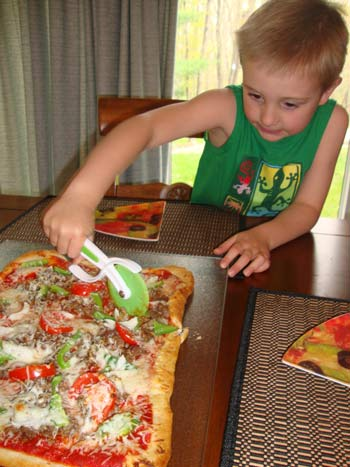 picture of Cutting Pillsbury Pizza Crust