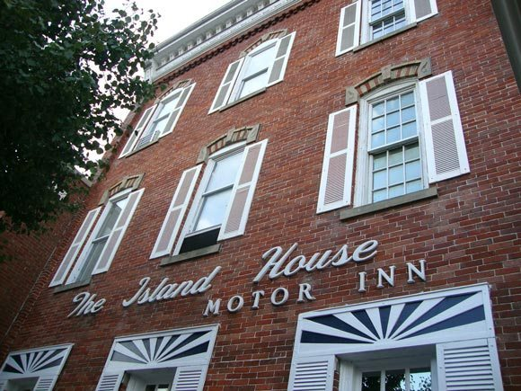 picture of Island House Historic Port Clinton Hotel