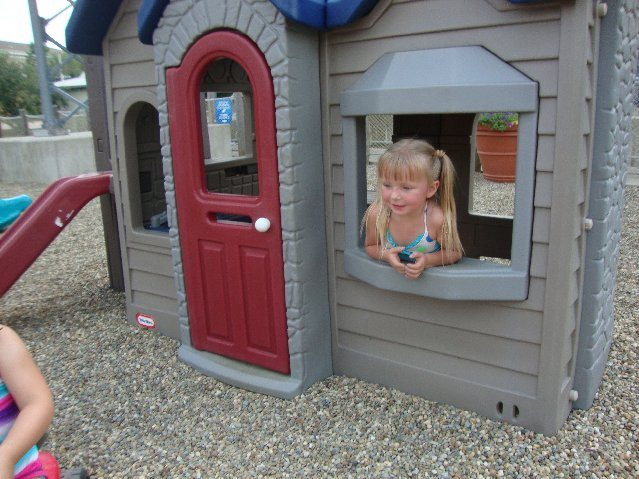 picture of Elizabeth in Little Tikes Cottage