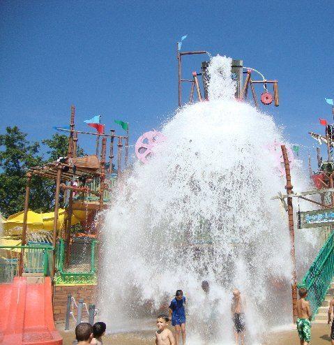 picture of Splash Landing Family Activity Center Bucket in Action