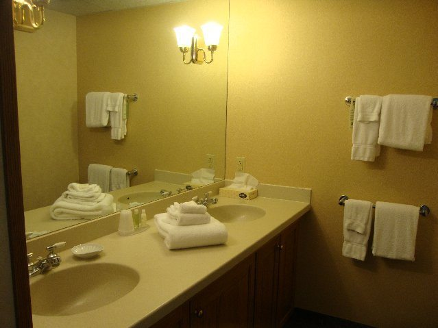 picture of Double Vanity in Cherry Valley Lodge Room