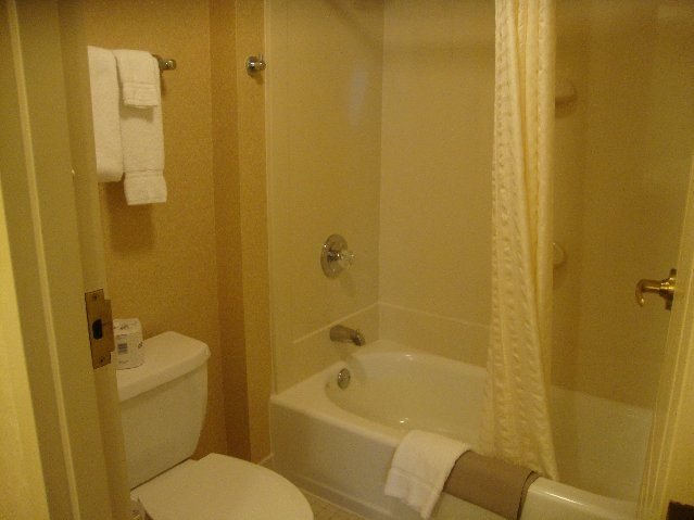 picture of Clean bathroom at Cherry Valley Lodge