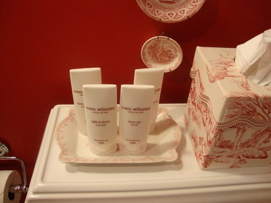 picture of Exclusive bath amenities from Paris