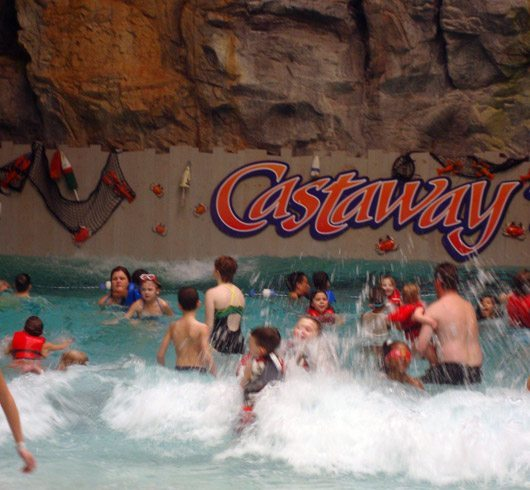 picture of Castaway Bay Wave Pool is great for young families