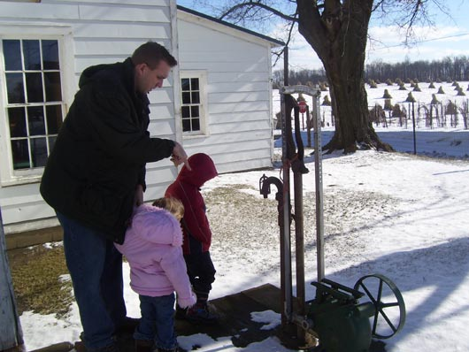 picture of Amish Heartland Tour at an Amish Home