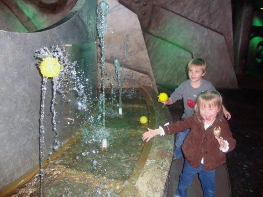 picture of Kids love Oceans Exhibit at COSI