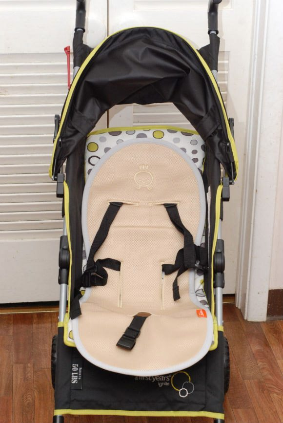 picture of MeenoBabies Stroller Liner installed with Five point harness stroller