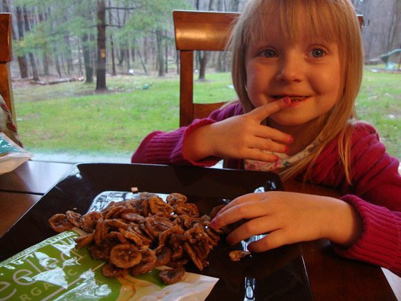 picture of Kids love eating Peeled Organic Snacks
