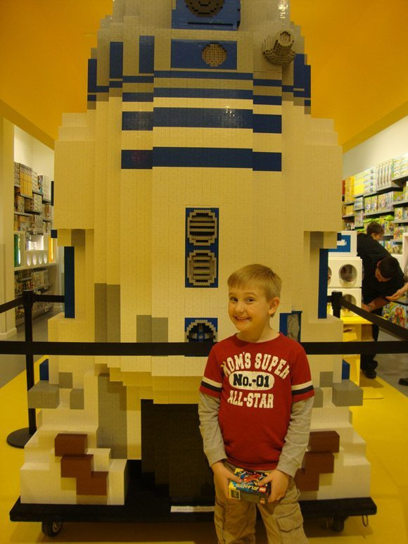picture of Beachwood Place LEGO Store