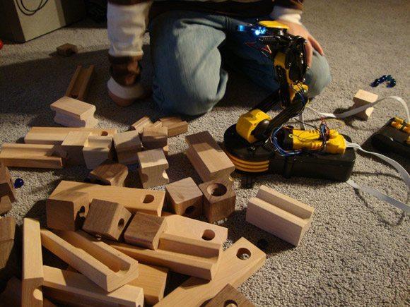Robot Arm Picking up Blocks
