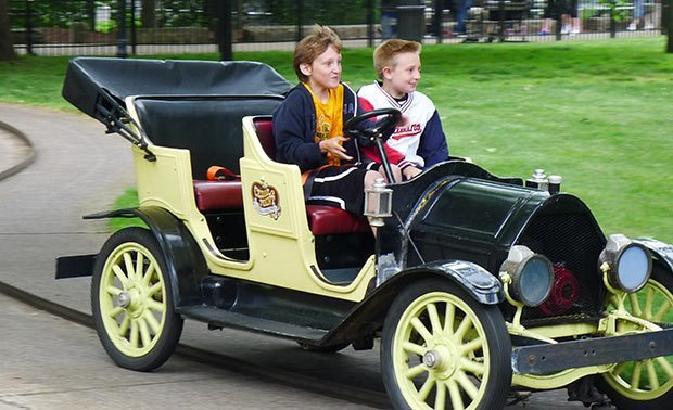 cedar-point-antique-cars