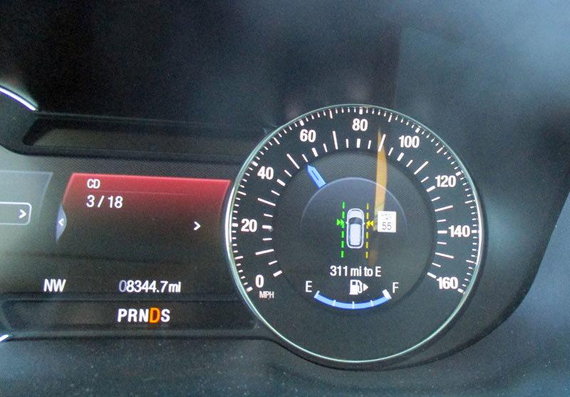Ford Explorer Platinum lane assist