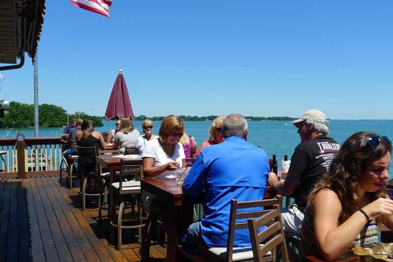waterfront put-in-bay restaurant