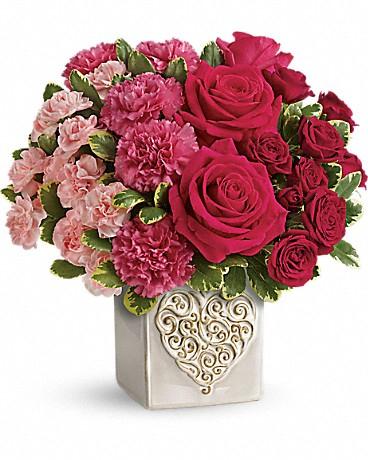 swirling-heart-bouquet